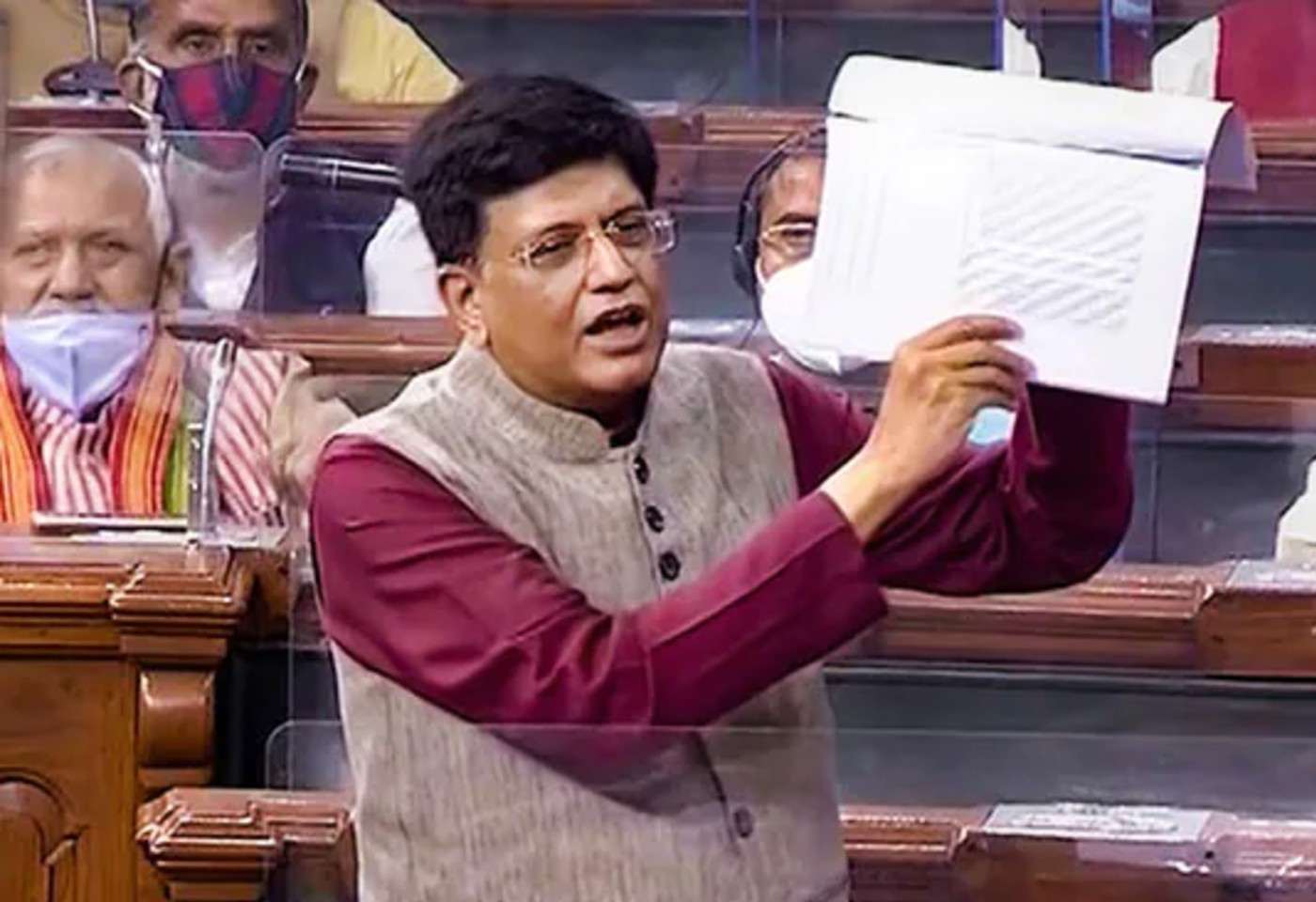 Will railway stations be handed over to private companies? Piyush Goyal answered this question in Parliament