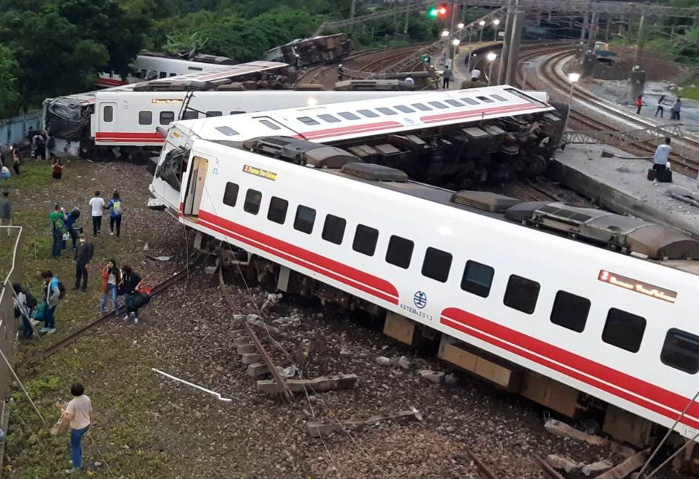A terrible train accident in Taiwan, 36 killed on the spot, 72 injured; Fear of rising death toll