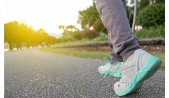 प्रत्येक भारतीय दिवसाला चालतो अवघी 4297 पावल