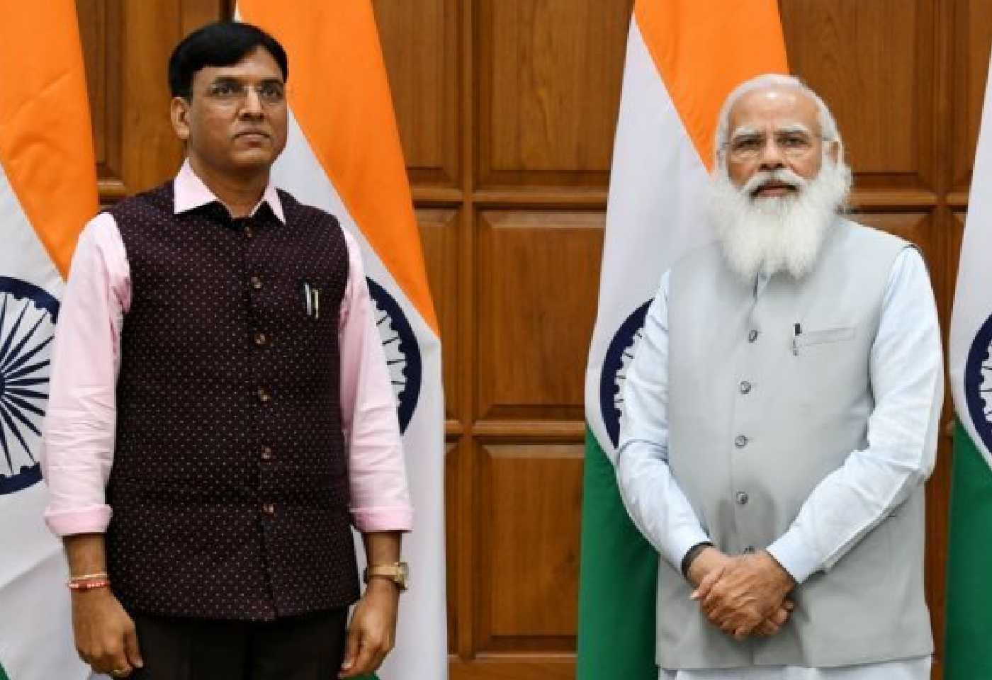 Mansukh Mandaviya Profile Know About New Health Minister In Modi Cabinet Mandaviya