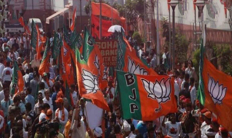 भाजपाने सहा महिन्यांत पाचमुख्यमंत्री बदलले; उत्तर भारतात चौघांचा तर दक्षिण भारतातील एकाचा समावेश